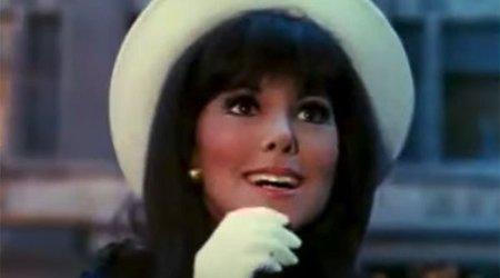 Music Friday: 'Diamonds, Daisies and Snowflakes' Describe Marlo Thomas in 'That Girl'